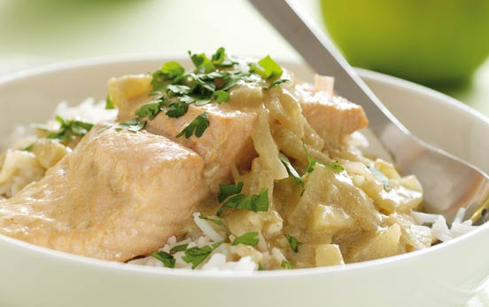 Green Fish Curry with Coconut Milk and Bramley Apples